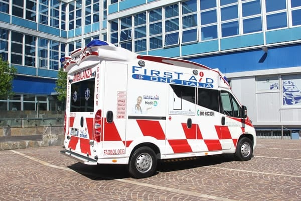 Ambulanza privata Croce Maria Bambina
